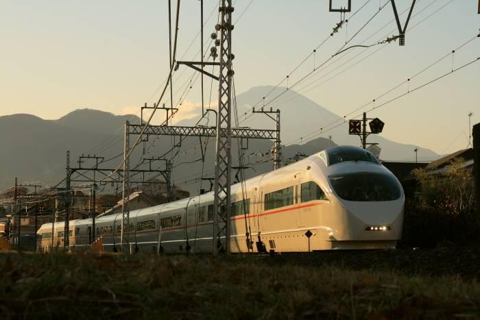 0026小田急線新松田20111217vse.JPG