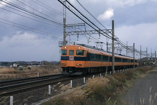 00512600型近鉄名古屋線pic.jpg