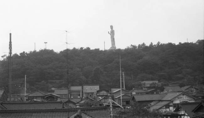 韮崎の平和観音.jpg
