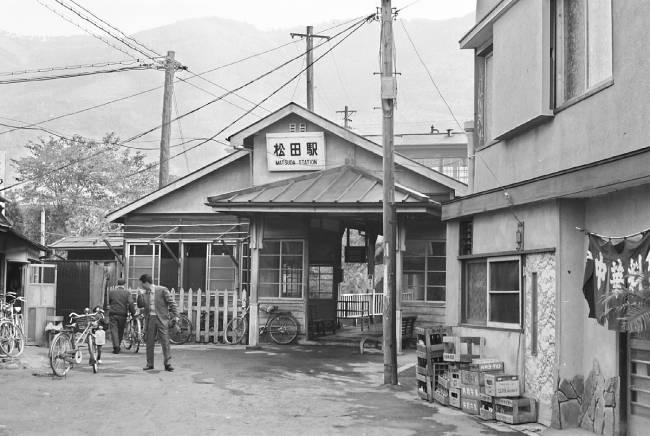 009s40松田裏駅舎.jpg